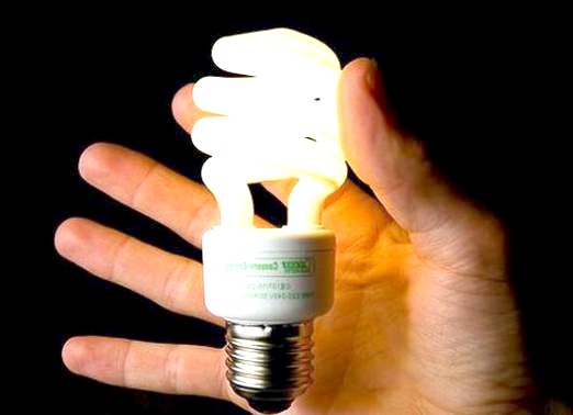 Фото - Чому моргає лампочка?