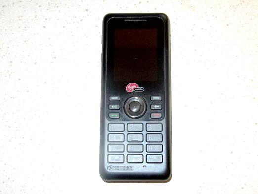 Фото - Чому телефон сам вимикається?