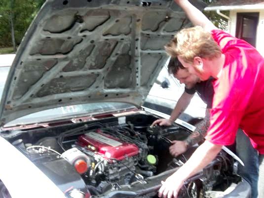 Фото - Сів акумулятор: як відкрити машину?
