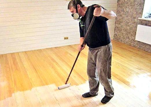 Фото - Чим пофарбувати дерев'яну підлогу?