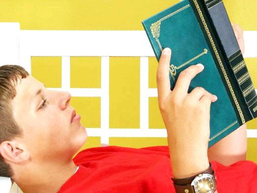 Фото - Що читають підлітки?
