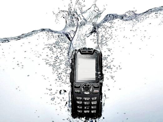 Фото - Що робити, якщо телефон впав у воду?