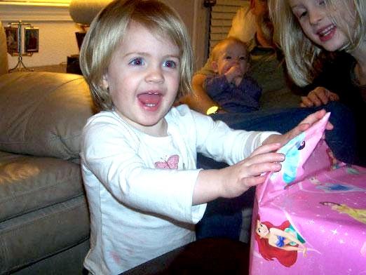 Фото - Що подарувати дитині на 2 роки?