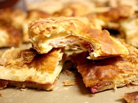 Фото - Що приготувати з листкового тіста?