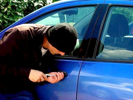 Фото - Вкрали машину. що робити?